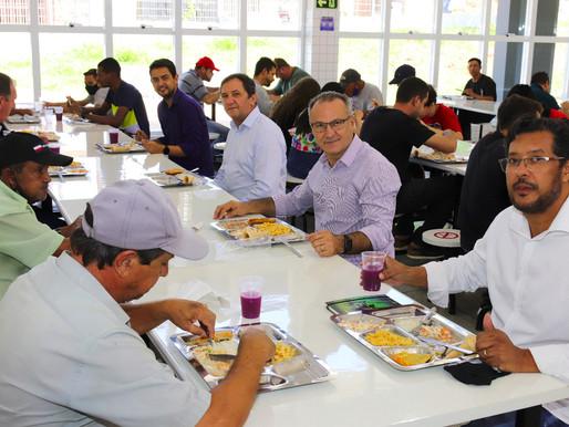 Comitiva do Executivo e do Legislativo de Foz do Iguaçu visita restaurantes populares de Cascavel