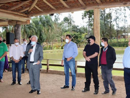 Rua Iguaraçu, na região rural de Foz, receberá pavimentação poliédrica