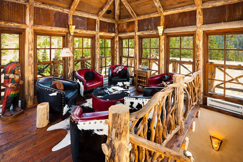 foxtail-residence-big-sky-log-cabin-towe