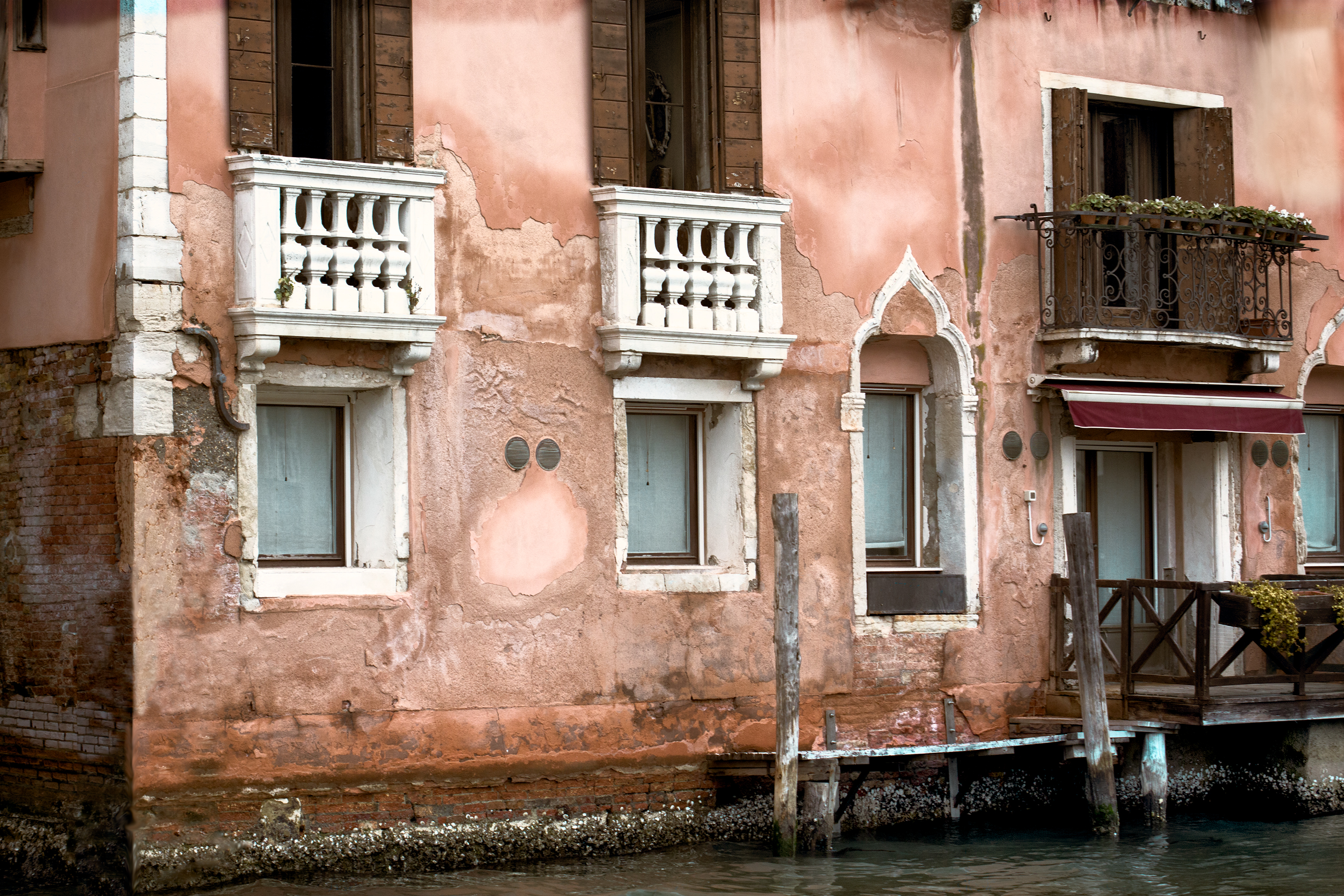 Old Palace Along the Grand Canal - Color
