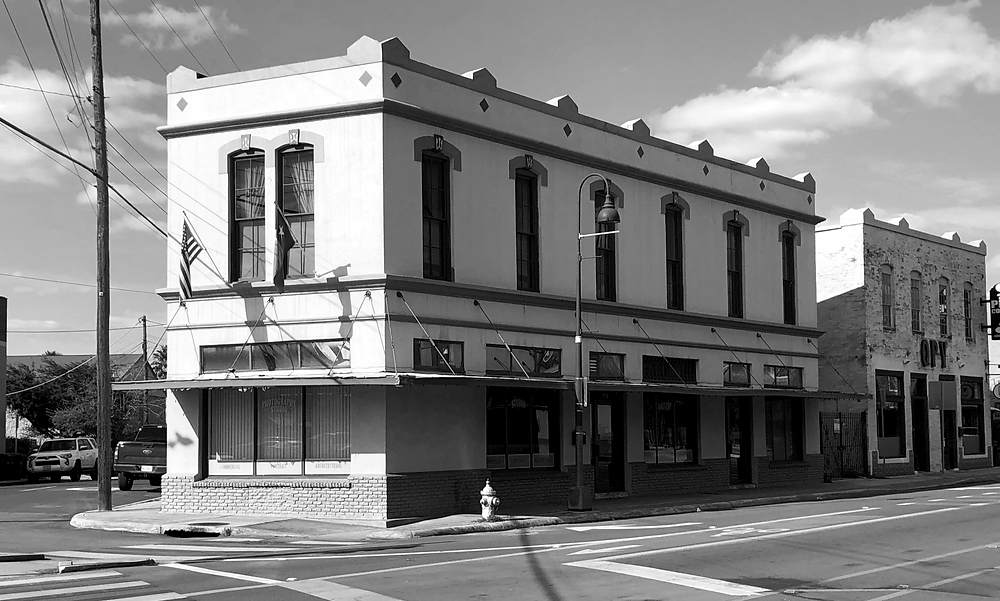 A recent photo taken by Lavaca and Friends of Rendon's historic building at 733 South Alamo, on the corner of South Alamo and Presa.