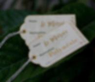 Marque-place dîner mariage étiquette bagage découpée voyage vintage ficelle Baker's Twine or-ivoire