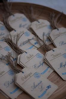 plan de table, mariage, étiquette bagage, escort cards, voyage vintage, avion, ficelle de lin