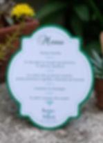 Menu dîner mariage étiquette découpée en chevalet à poser