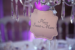 Marque-table dîner de mariage étiquette découpée à suspendre