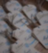 Marque-place dîner mariage étiquette bagage découpée voyage vintage ficelle de lin