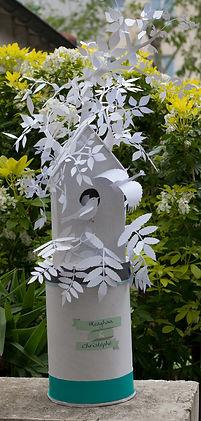 Urne boîte cadeaux mariage cabane à oiseaux feuilles papier découpé