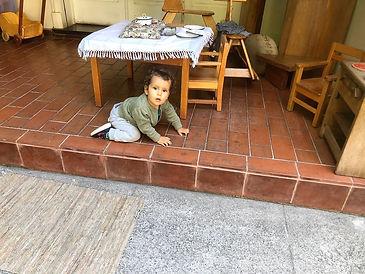 bebé en taller de psicomotricidad de Yohanan
