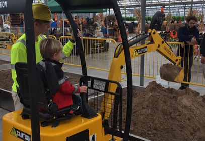 MegaToyz, Interactive Amusement Rides, Coin-operated, construction ride, Oregon, USA