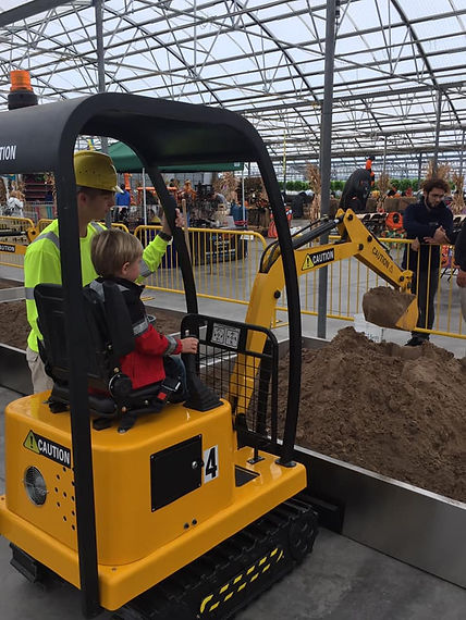 Excavator Construction ride, Amusement, kids, event, fun