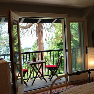 Forest Ledge Balcony Room