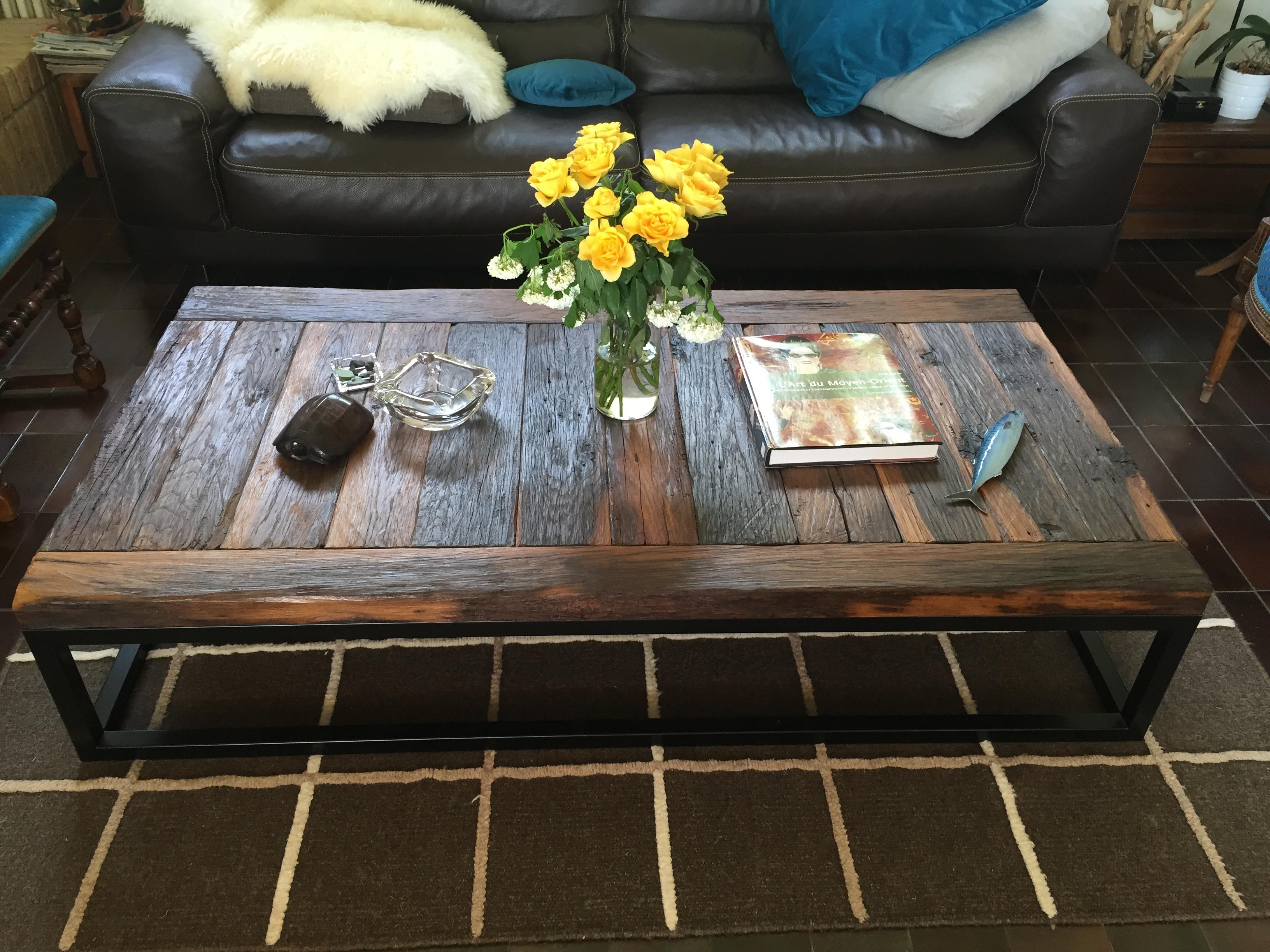 Table de salon en vieux chêne huilé