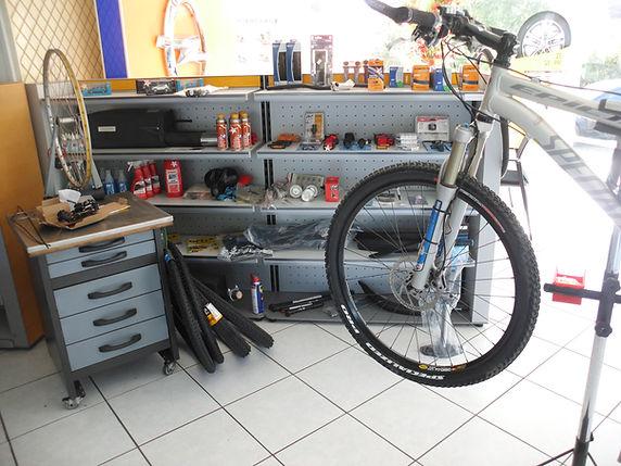 Fahrradreparatur 3.JPG