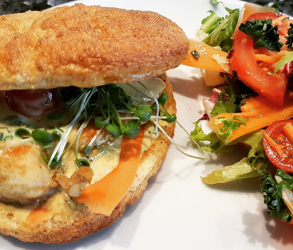 Ernährungsberatung, Ernährungstherapie und Fitnessberatung in Lyss, Fabienne Kobi, Healthy Egg-Chicken-Burger