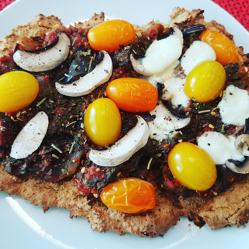Ernährungsberatung, Ernährungsthearpie und Fitnessberatung in Lyss, Fabienne Kobi, Low-Carb-Focaccia-Pizza