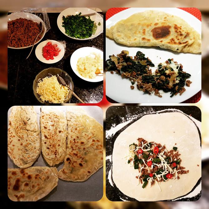 Gözleme mit türkischem Salat