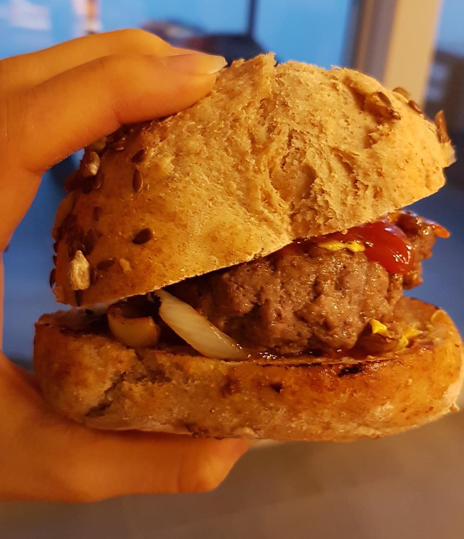Ernährungsberatung, Fitnessberatung und Ernährungstherapie in Lyss, Fabienne Kobi, Gourmet-Burger
