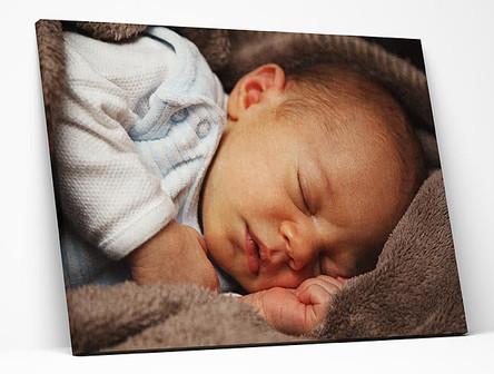 הדפסה-על-קנבס-של-תינוק.jpg