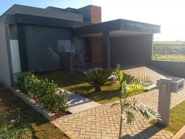 Fachada Casa Modelo