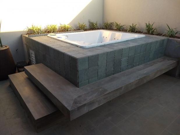 Área externa com spa