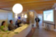 """Fachvortrag Dr. Elvira Wenz: """"Trendwende in der Implantologie - Keramikimplantate"""""""