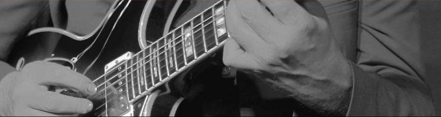 Çağlayan Yıldız Hands Strip.jpg