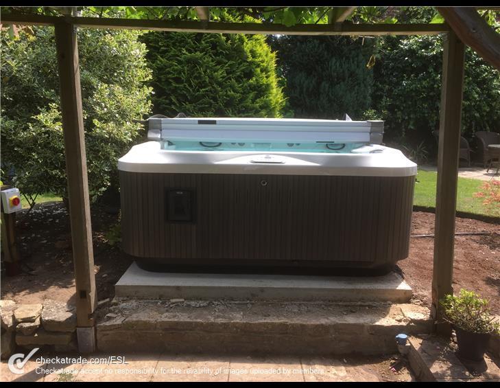 hot-tub-2.jpg