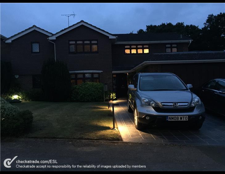 car-driveway-lights.jpg
