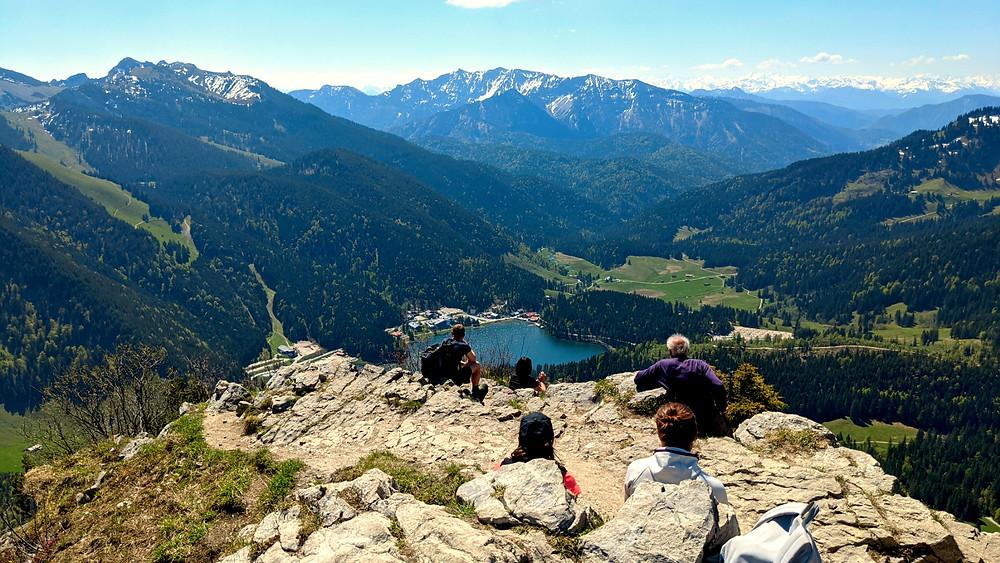 Der Spitzingsee vom Gipfel der Brecherspitze