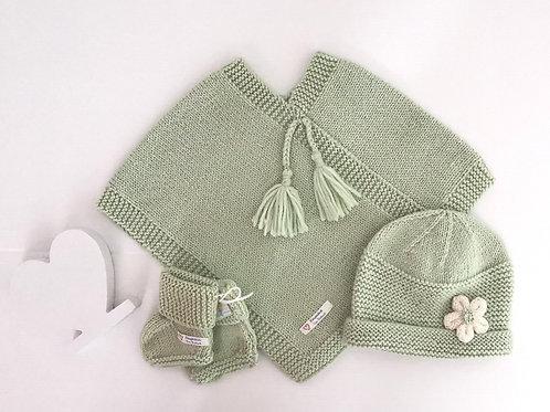 Poncho & Daisy Hat Set