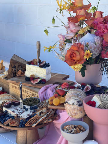floral grazing table