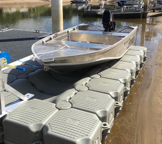 Tinnie Modular Dock_.jpg
