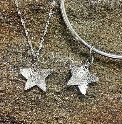 Small textured Star pendant