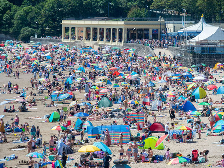 How Wales' beauty spots looked as the temperature topped 25°C!