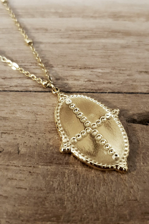 Collier Médaille Ovale Cross