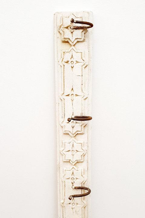 Patère Sculpté Indienne N.5 - Bois Bleach