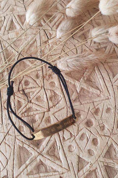 "Bracelet Médaille ""NEED LOVE"" Cordon Black"