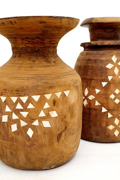 Ancien Pot à Lait Sculpté Nacre