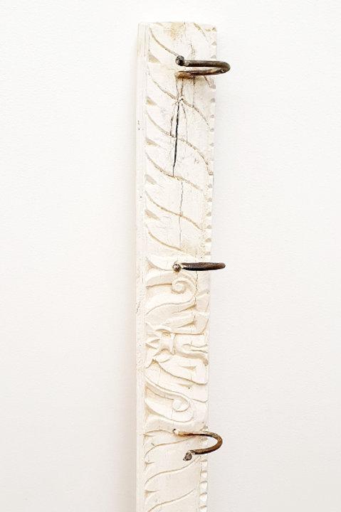 Patère Sculpté Indienne N.3 - Bois Bleach