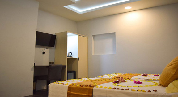 Ranauraa Inn (52).jpg