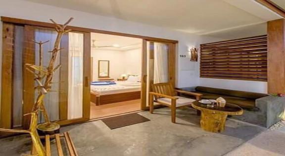 Dhiffushi White Sand Beach Hotel (2).jpg