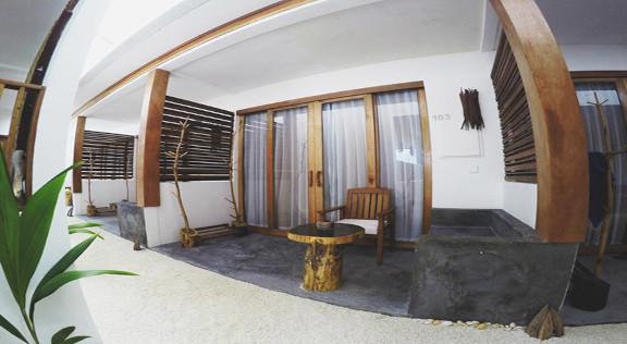 Dhiffushi White Sand Beach Hotel (13).jp