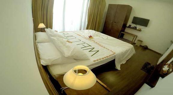 Dhiffushi White Sand Beach Hotel (37).jp