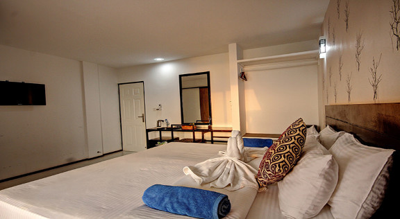 The Crown Beach Hotel Maldives (111).jpg
