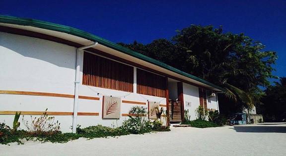Dhiffushi White Sand Beach Hotel (1).jpg