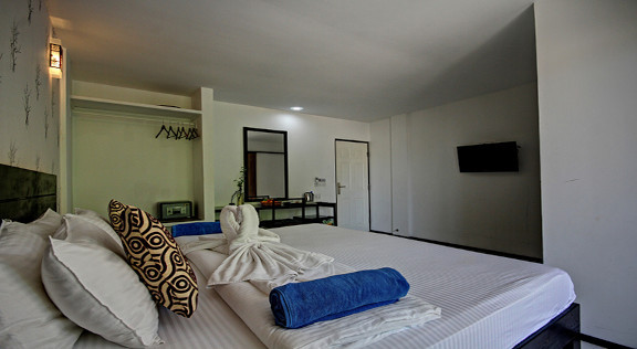 The Crown Beach Hotel Maldives (87).jpg