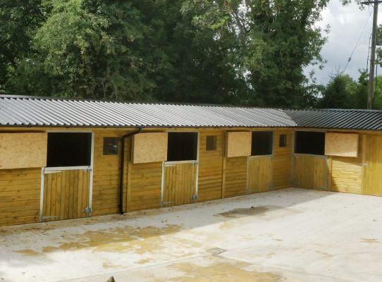 L-shape-stables-ireland-542x400.jpg