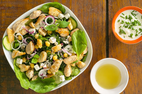 Doux-Fitlife-Chicken-Garbanzo-Salad-TOP-VIEW-Aout 2017 DOUX.jpg