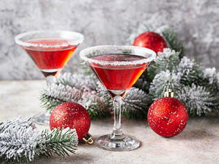 Holiday Cocktails: Ingredients and Instructions to Make Drinks to Enjoy While Trapped at Home