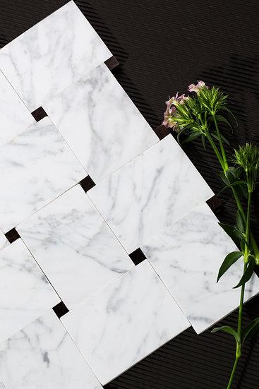 Carrera / White  |  $19.99 / sq ft